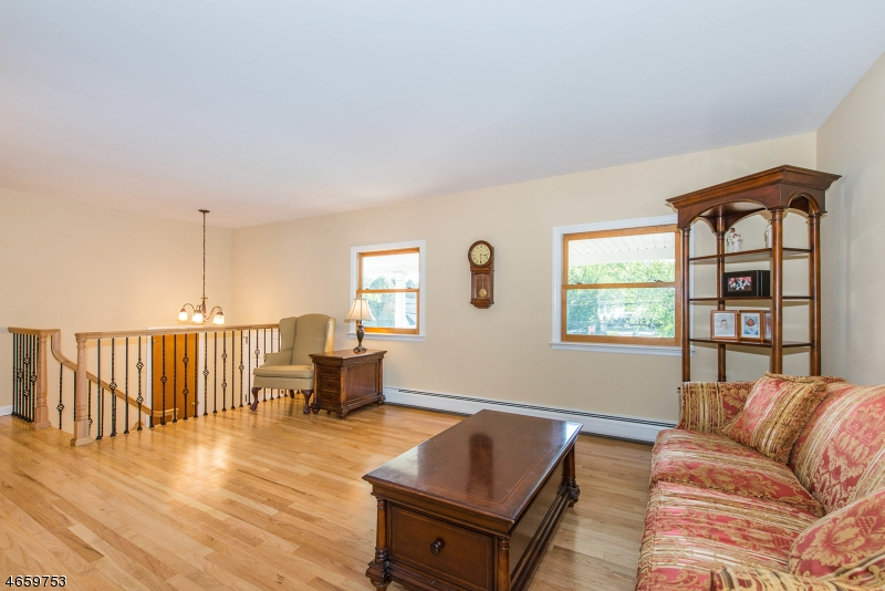 Additional photo for property listing at 254 GODWIN Avenue  Wyckoff, New Jersey 07481 United States