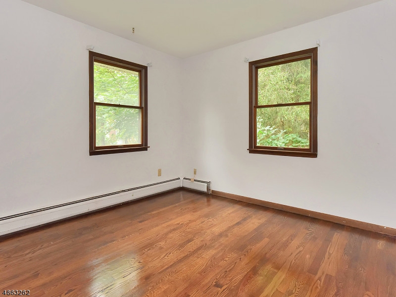 Additional photo for property listing at 94 LACKAWANNA DRIVE  Stanhope, New Jersey 07874 États-Unis
