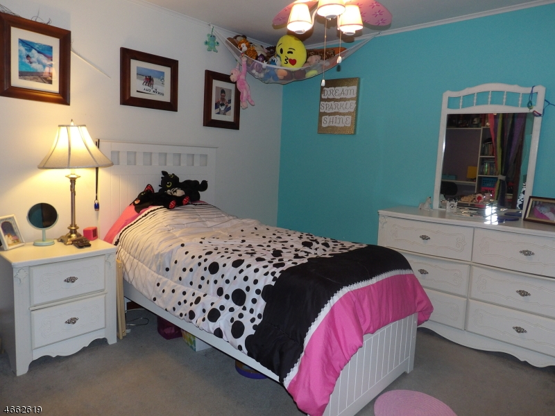 Additional photo for property listing at 88 E Shore Lake Owassa Road  牛顿, 新泽西州 07860 美国