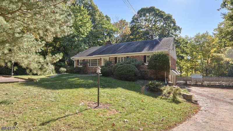 独户住宅 为 销售 在 11 Howard Street 科夫, 新泽西州 07481 美国