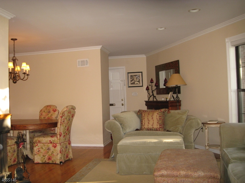 Additional photo for property listing at 181 Long Hill Rd 9-1  Little Falls, Nueva Jersey 07424 Estados Unidos