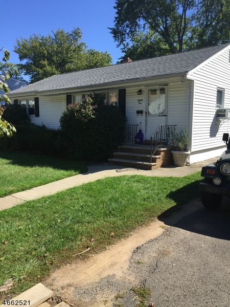 Частный односемейный дом для того Продажа на Address Not Available Totowa Boro, Нью-Джерси 07512 Соединенные Штаты