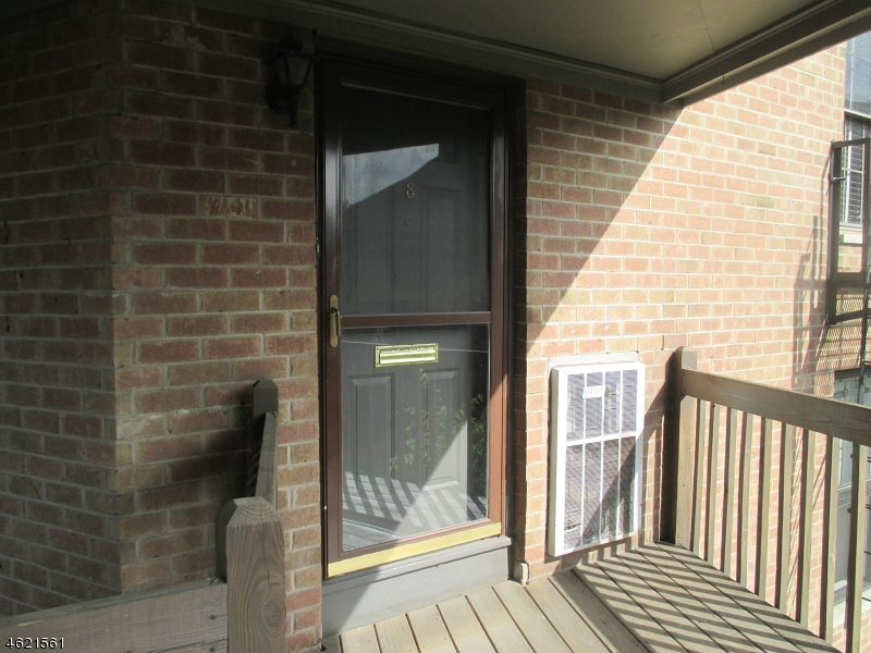 Maison unifamiliale pour l à louer à 181 Long Hill Rd 6-8 Little Falls, New Jersey 07424 États-Unis