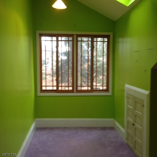 Additional photo for property listing at 19 Baldwin Lane  Boonton, Nueva Jersey 07005 Estados Unidos