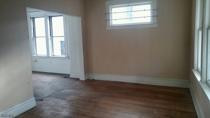 Additional photo for property listing at 112-114 COLUMBIA Avenue  Newark, Нью-Джерси 07106 Соединенные Штаты