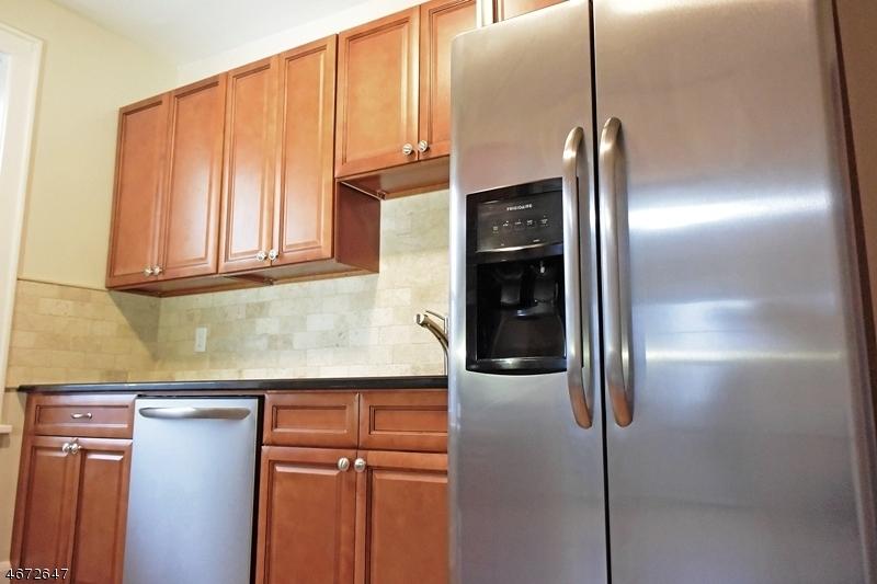 Частный односемейный дом для того Аренда на 55 Park Ave, UNIT 31 Bloomfield, Нью-Джерси 07003 Соединенные Штаты