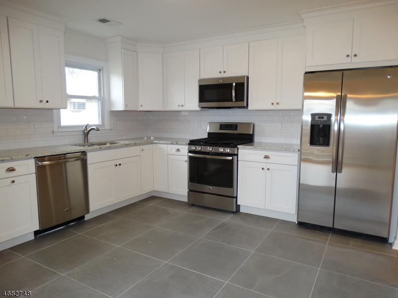 Casa Unifamiliar por un Alquiler en 415 N 14th Street Kenilworth, Nueva Jersey 07033 Estados Unidos