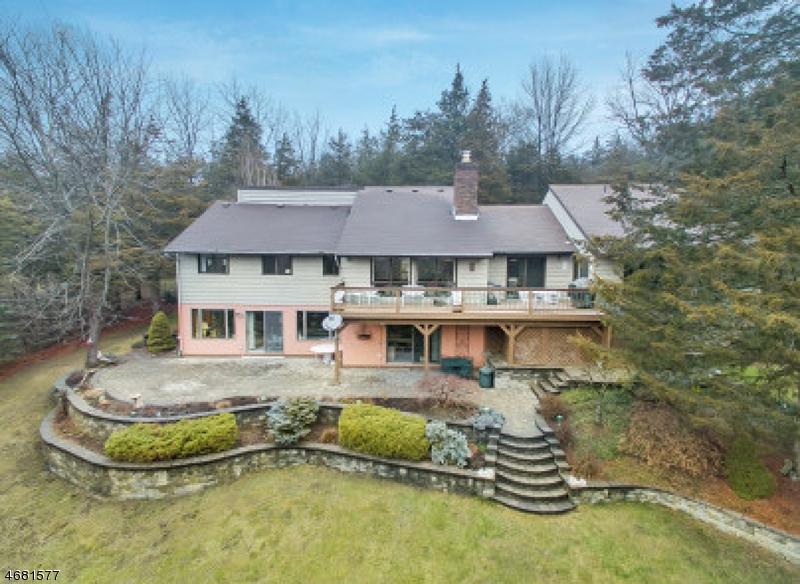 Casa Unifamiliar por un Venta en 13 Bucky Lane Vernon, Nueva Jersey 07462 Estados Unidos