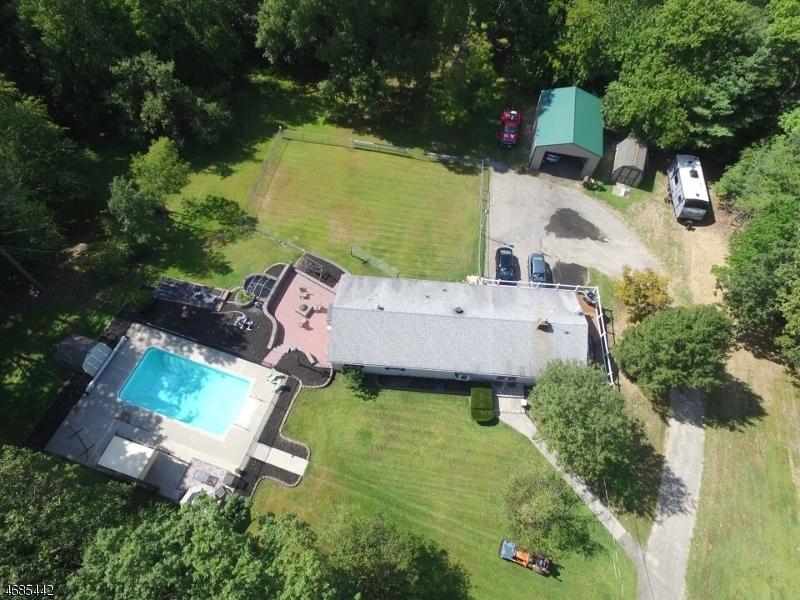 Maison unifamiliale pour l Vente à 903 PARTRIDGE Road Stillwater, New Jersey 07860 États-Unis