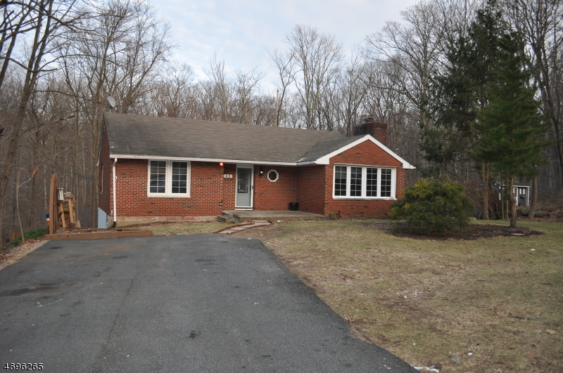 Maison unifamiliale pour l Vente à 43 White Birch Trail Stockholm, New Jersey 07460 États-Unis