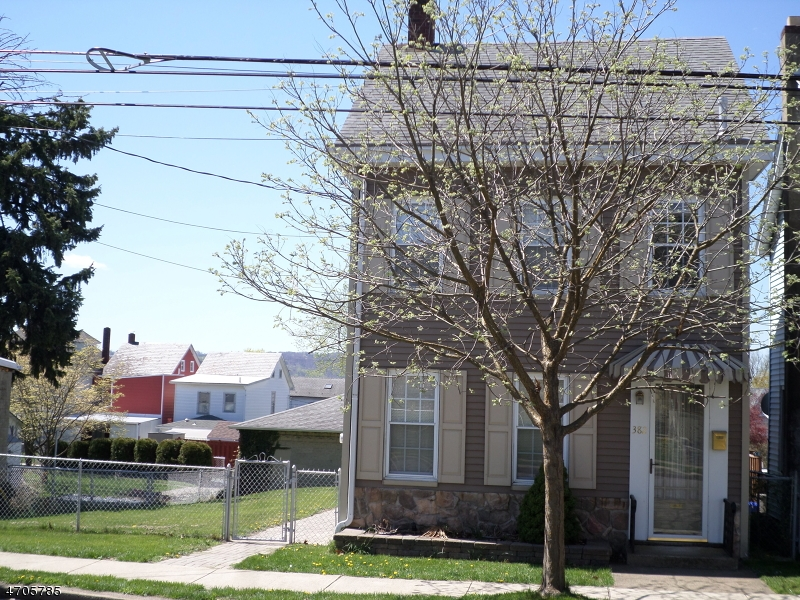 Single Family Home for Rent at 382 Warren Street Phillipsburg, New Jersey 08865 United States