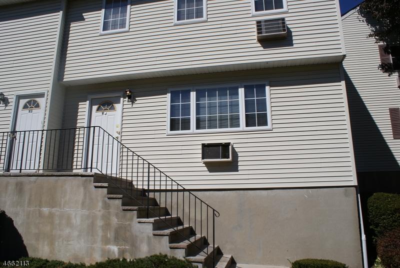 Casa Unifamiliar por un Alquiler en 322 Richard Mine Rd - V4 Rockaway, Nueva Jersey 07885 Estados Unidos