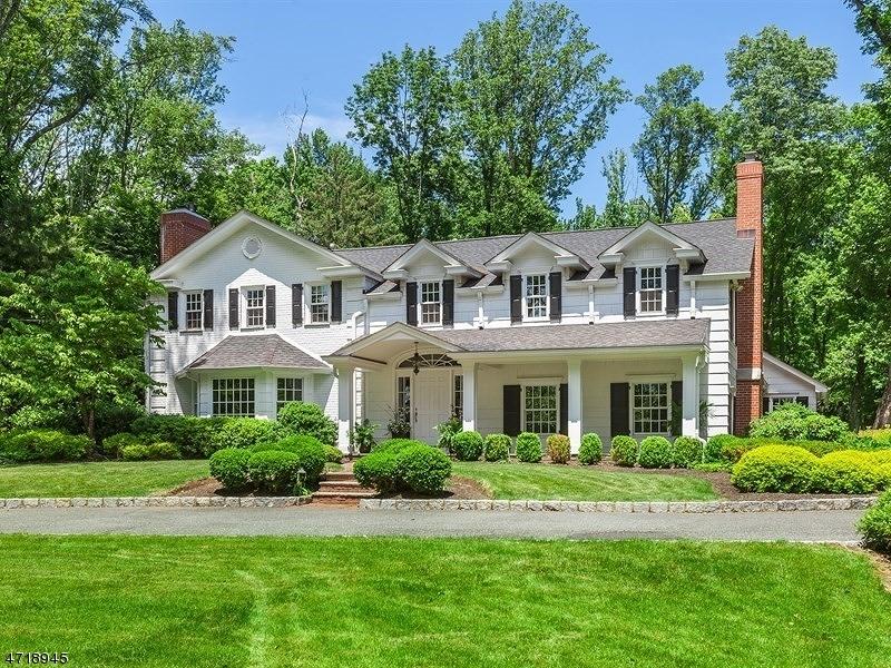 Maison unifamiliale pour l Vente à 143 Oval Road Essex Fells, New Jersey 07021 États-Unis