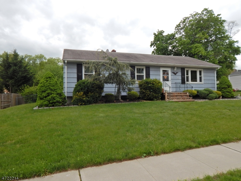 Single Family Home for Sale at 95 Clyne Ave Spotswood, New Jersey 08884 United States