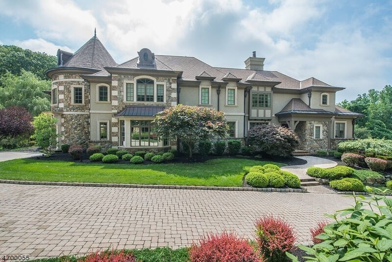 Частный односемейный дом для того Продажа на 8 Briarcliff Road Montville, 07045 Соединенные Штаты