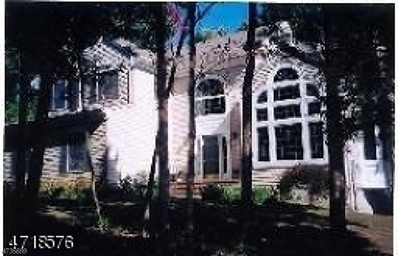 独户住宅 为 出租 在 17 Rymon Road 华盛顿, 新泽西州 07882 美国