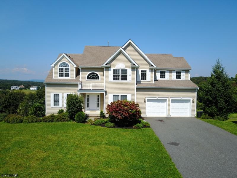 Частный односемейный дом для того Продажа на 9 Spyglass Hill Fredon, Нью-Джерси 07860 Соединенные Штаты