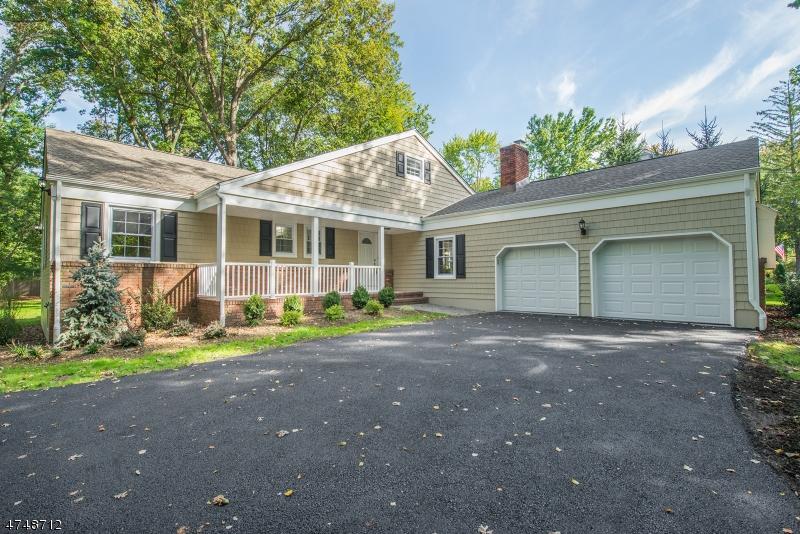 独户住宅 为 销售 在 9 Birch Drive 罗斯兰德, 新泽西州 07068 美国
