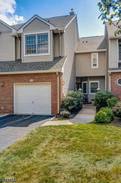 Maison unifamiliale pour l Vente à 50 Kent Dr, C0157 Roseland, New Jersey 07068 États-Unis