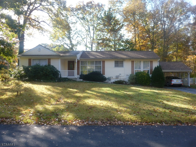 Single Family Home for Sale at 36 Bogue Drive 36 Bogue Drive Bloomingdale, New Jersey 07403 United States