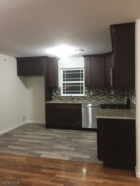 Maison unifamiliale pour l à louer à 931 Spofford Avenue Elizabeth, New Jersey 07202 États-Unis