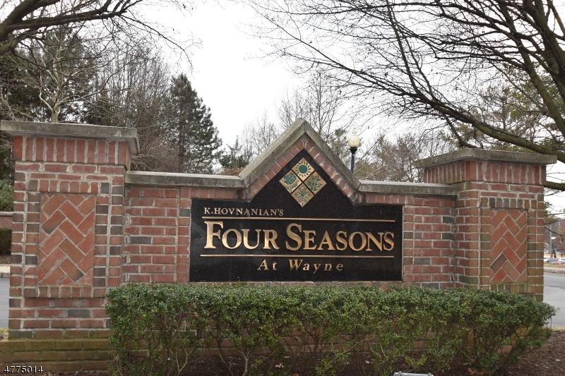 Частный односемейный дом для того Аренда на 213 Four Seasons Drive Wayne, Нью-Джерси 07470 Соединенные Штаты