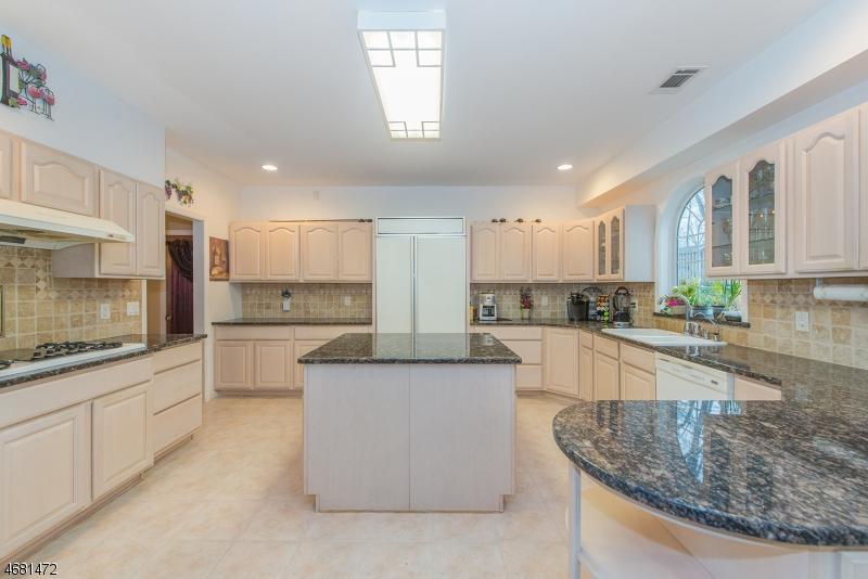 一戸建て のために 売買 アット 47 Normandy Road 47 Normandy Road Woodbridge, ニュージャージー 07067 アメリカ合衆国