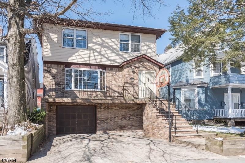 Casa Unifamiliar por un Venta en 199 Beech Street Kearny, Nueva Jersey 07032 Estados Unidos