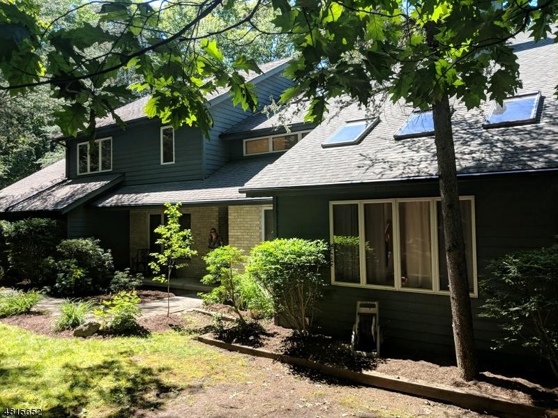 Casa Unifamiliar por un Venta en 4 GALLOWAY TERRACE Kinnelon, Nueva Jersey 07405 Estados Unidos