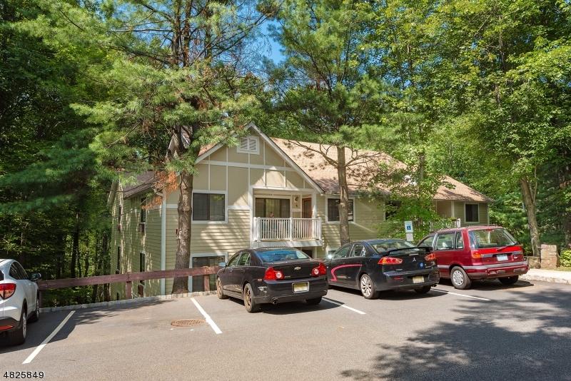 Chung cư / Căn hộ vì Thuê tại 9 FOXWOOD Drive Morris Plains, New Jersey 07950 Hoa Kỳ