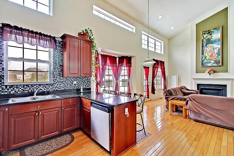 Additional photo for property listing at 5 JOCKEY Lane  Raritan, New Jersey 08822 États-Unis