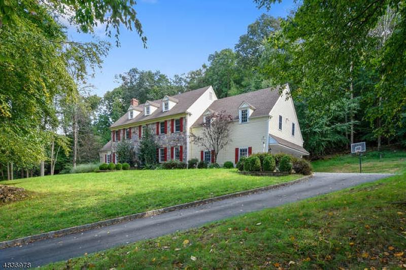 Enfamiljshus för Försäljning vid 4 SHENANDOAH Court Washington, New Jersey 07830 Förenta staterna