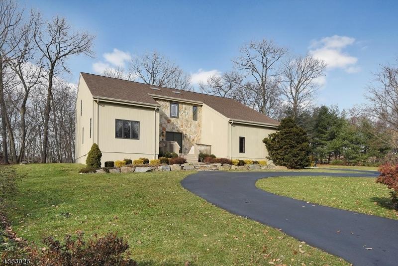 Casa Unifamiliar por un Venta en 32 DANIEL Lane Kinnelon, Nueva Jersey 07405 Estados Unidos