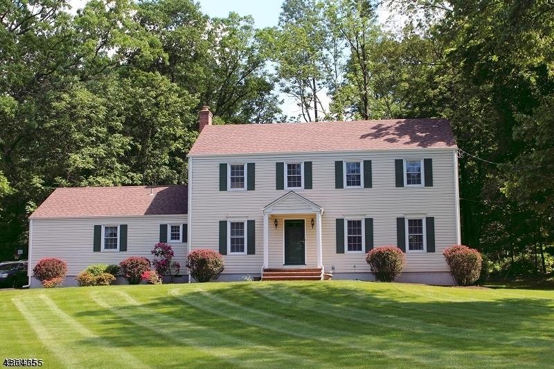 Частный односемейный дом для того Аренда на 59 ADDISON Drive Bernards Township, Нью-Джерси 07920 Соединенные Штаты