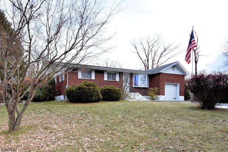 Villa per Vendita alle ore 14 TANGLEWOOD Drive Vernon, New Jersey 07422 Stati Uniti