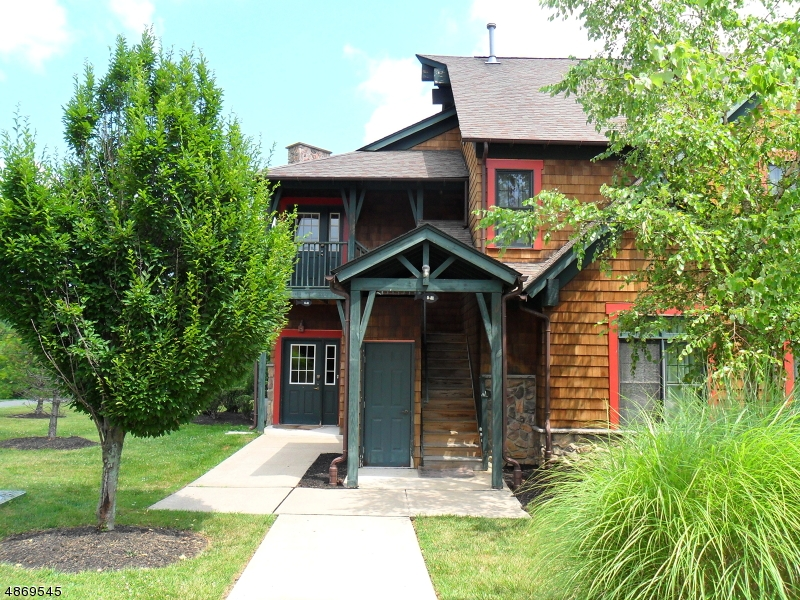 Кондо / дом для того Продажа на 5 MAPLE CRES Vernon, Нью-Джерси 07462 Соединенные Штаты