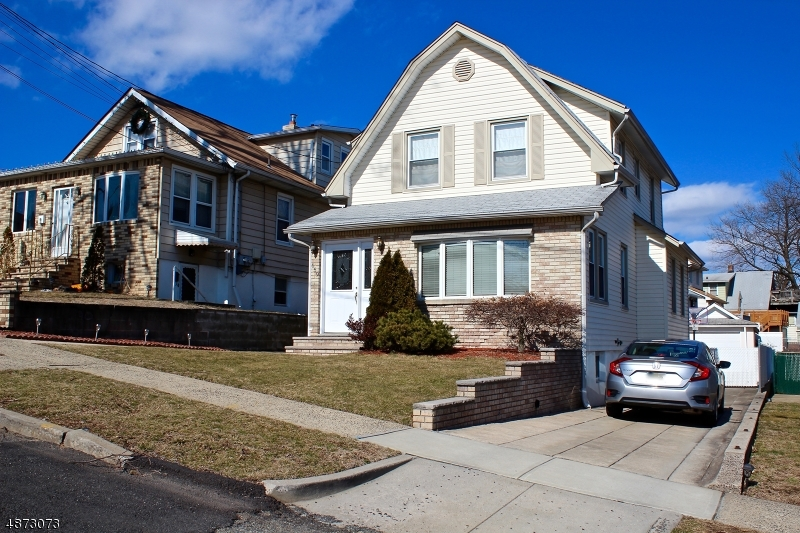 Single Family Home for Sale at Lyndhurst, New Jersey 07071 United States