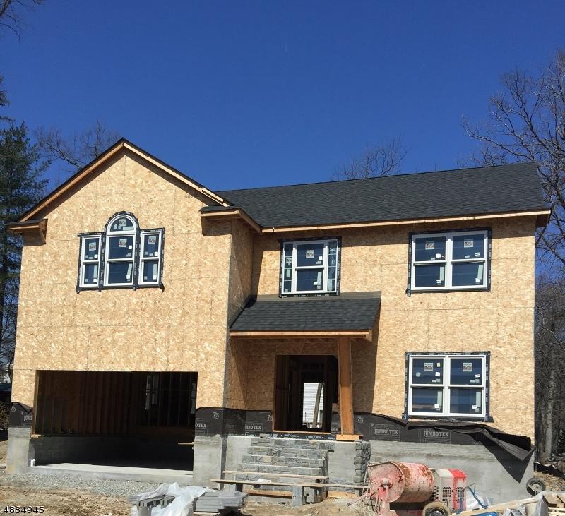 Частный односемейный дом для того Продажа на 28 LINDBERGH PKY Waldwick, Нью-Джерси 07463 Соединенные Штаты