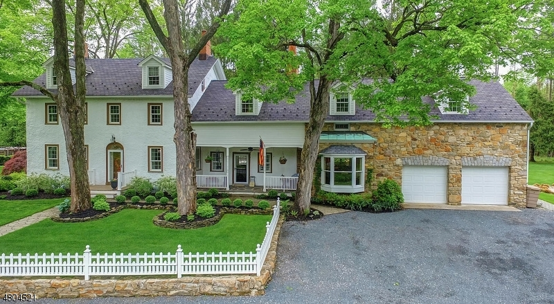Maison unifamiliale pour l Vente à 10 NAUGHRIGHT Road Washington, New Jersey 07853 États-Unis