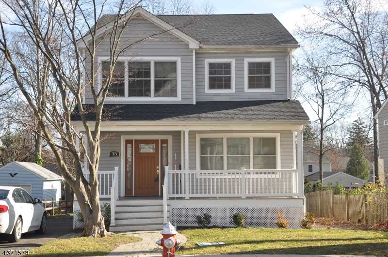 Частный односемейный дом для того Аренда на 35 Summit Avenue Chatham, Нью-Джерси 07928 Соединенные Штаты
