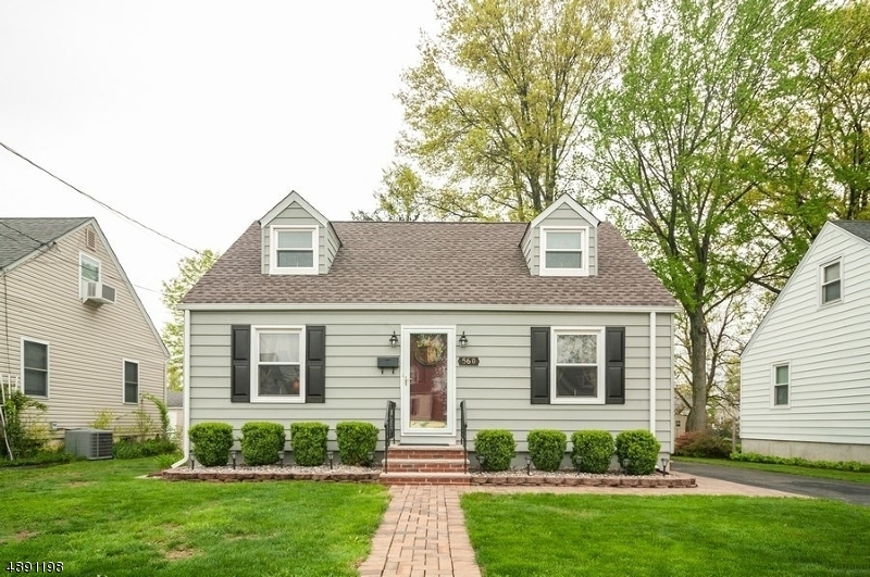Single Family Home for Sale at Bound Brook, New Jersey 08805 United States