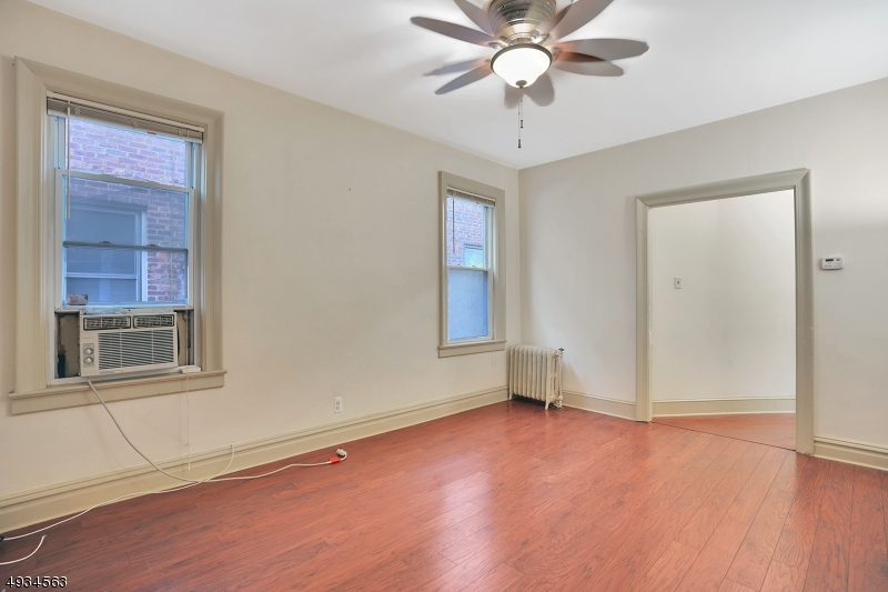 Additional photo for property listing at  Jersey City, 뉴저지 07305 미국
