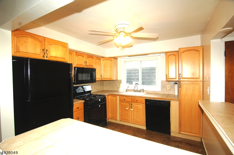 Additional photo for property listing at  Montclair, New Jersey 07042 Vereinigte Staaten