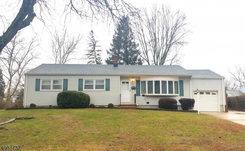 Single Family Homes للـ Sale في 85 MADIE Avenue Spotswood, New Jersey 08884 United States