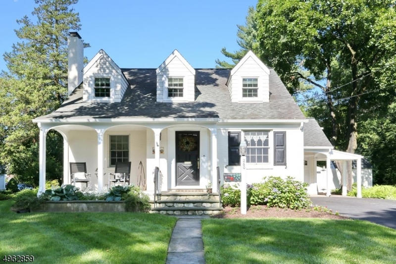 Single Family Homes для того Продажа на Glen Rock, Нью-Джерси 07452 Соединенные Штаты
