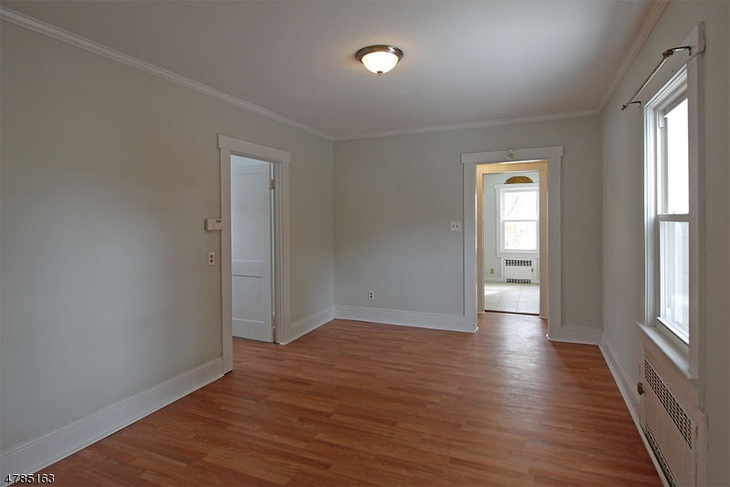 Additional photo for property listing at  Berkeley Heights, New Jersey 07922 Verenigde Staten