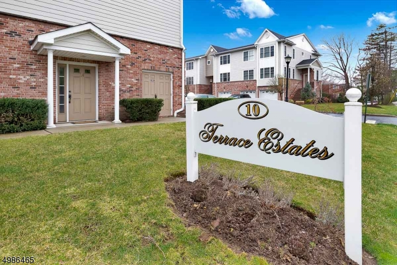 Condo / Townhouse for Sale at Hasbrouck Heights, New Jersey 07604 United States