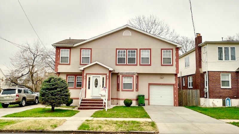 Additional photo for property listing at 2136 Caroline Avenue  Linden, Нью-Джерси 07036 Соединенные Штаты