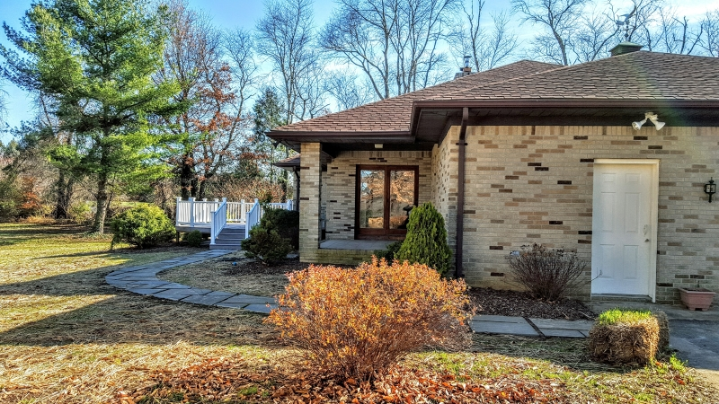 Additional photo for property listing at 81 White Pine Road  Chesterfield, Nueva Jersey 08515 Estados Unidos