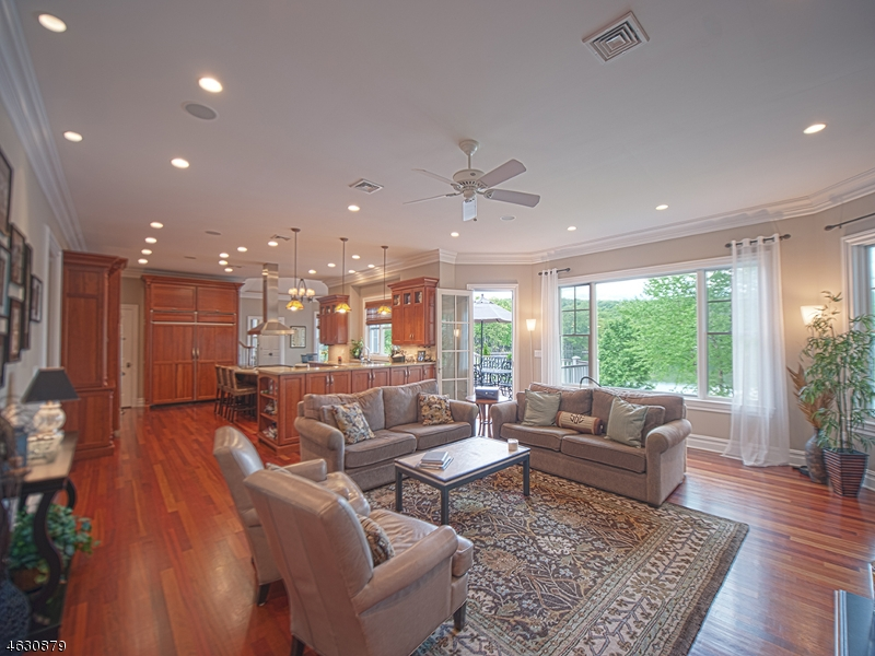 Additional photo for property listing at 1118 PINES LAKE Drive  韦恩, 新泽西州 07470 美国